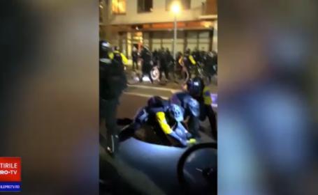 Protestatari antifascişti și anti-guvern au devastat mai multe clădiri în Portland şi Seattle. VIDEO