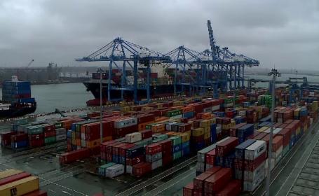 Containere în Portul Constanța