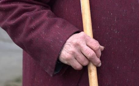 O bătrână din Alba a murit arsă de vie după ce i-a luat foc televizorul