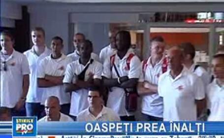 Paturi de hotel special modificate pentru o echipă de baschet