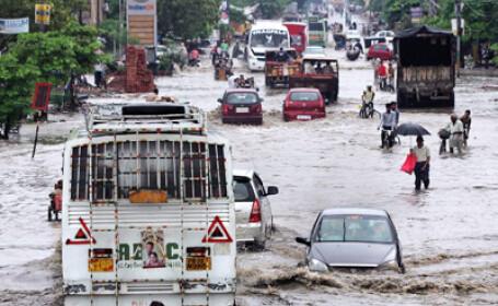 Sezonul musonic a facut cel putin 26 de victime in Pakistan