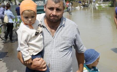 Sinistrati, evacuati, inundatii