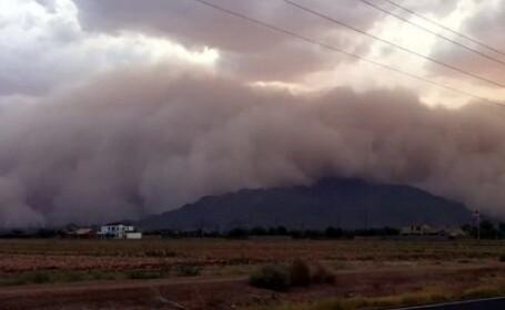 VIDEO. O uriasa furtuna de nisip, pornita din desert, a inghitit orasul american Phoenix