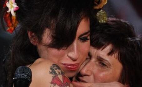Amy si mama ei