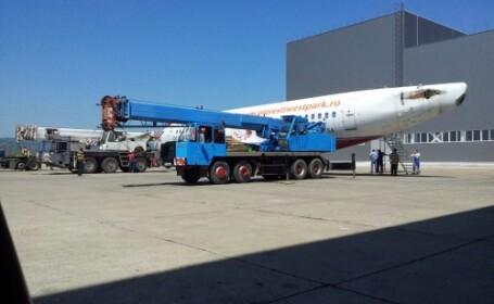 Avion transportat