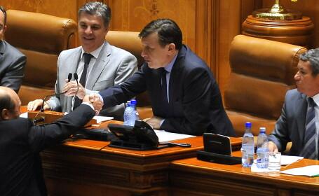 Traian Basescu si Crin Antonescu - COVER