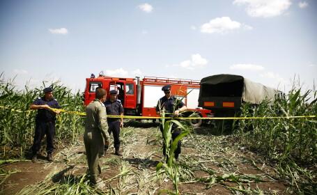 Victor Ponta si ministrul Apararii au ajuns in Buzau, la locul unde s-a prabusit joi un elicopter