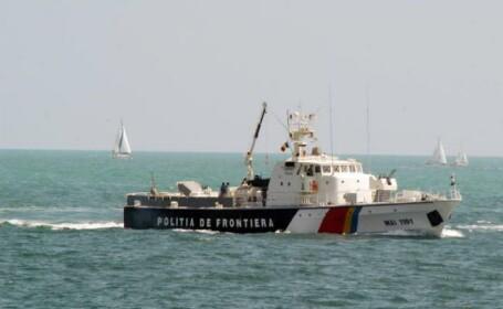 Alerta la malul Marii Negre. Autoritatile au urmarit timp de o ora un vas cu 33 de imigranti sirieni