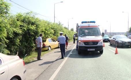 Accident pe Calea Lugojului. Un taximetrist si o pasagera au ajuns la spital. FOTO