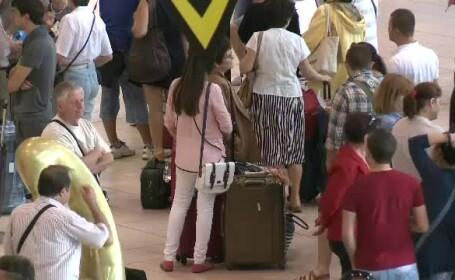 Companiile aeriene dau unda verde kilogramelor in plus. Oferte pentru romanii care vor sa se intoarca \