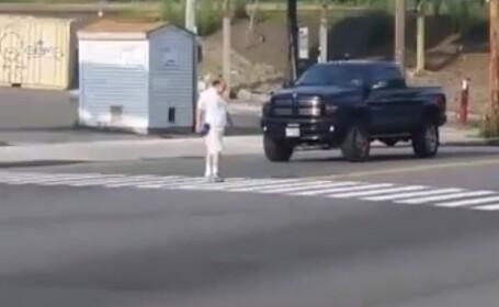 Atentie la trecerile de pietoni. Capcana pe care o intind chiar politistii, in SUA - un anonim a pus totul pe Facebook. VIDEO