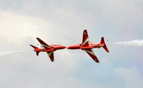 Momentul in care doua avioane Red Arrows au fost la un pas de dezastru in aer. Imaginea unica surprinsa la un show aviatic