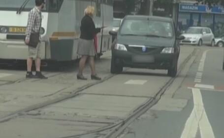 Jungla din trafic, filmata timp de o luna de Politia Capitalei. Soferul care merita titlul de \