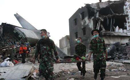 Prabusirea avionului militar Hercules in Indonezia: Bilantul a urcat la 141 de morti. VIDEO