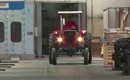 Tractor - STIRI