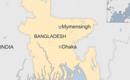Sute de sarmani s-au calcat in picioare pentru haine gratuite, in Bangladesh. Sunt cel putin 23 de victime