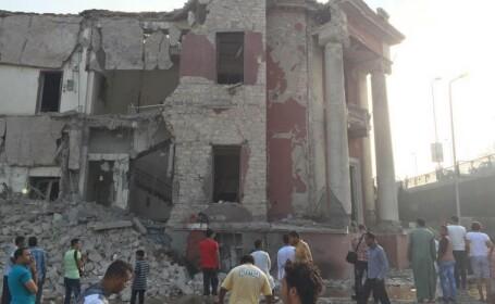 Un mort si patru raniti intr-un atentat cu masina-capcana la Consulatul Italiei din Cairo. VIDEO