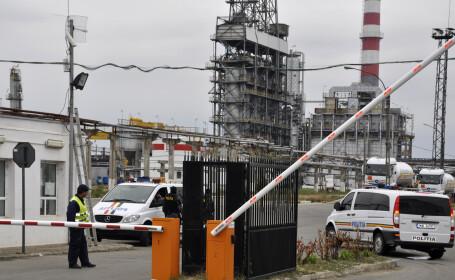 Lukoil avertizeaza ca ar putea inchide rafinaria din Romania: \