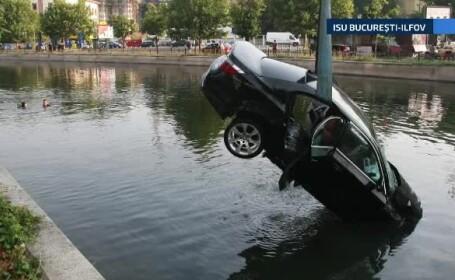 Doi bucuresteni au scapat cu viata dupa ce au plonjat cu masina in Dambovita. Ce au fost obligati sa plateasca, dupa accident
