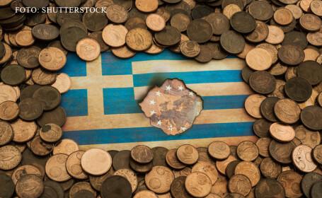 steagul Greciei gaurit si cu euro in jur