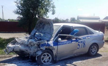 Un politist din Rusia, erou national dupa ce a lovit o masina in care era si un copil. Explicatia pentru gestul sau