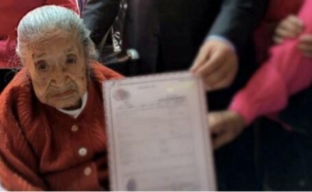 O femeie de 117 ani a asteptat ani intregi sa obtina certificatul de nastere. Ce a patit la cateva ore dupa ce l-a primit