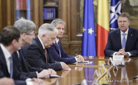 Consultari pe tema BREXIT intre Iohannis, Ciolos si Isarescu. Presedinte: \