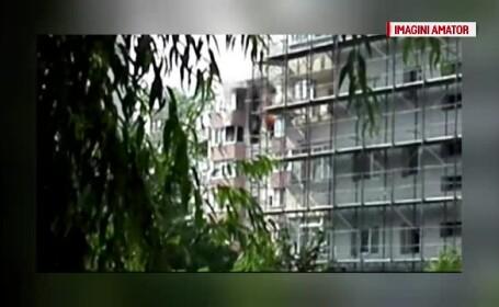 Incendiu puternic la un bloc din Capitala. Vecinii au filmat cum un apartament de la etaj arde cu flacara deschisa