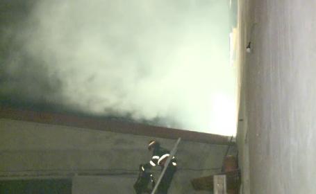 De la ce ar fi pornit incendiul mistuitor de la fabrica de paine din Chitila. Pompierii s-au luptat 2 ore cu flacarile