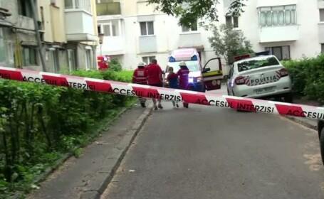 Explozie puternica pe o strada din Suceava. Pompierii au izolat zona si au evacuat zeci de oameni din trei scari de bloc