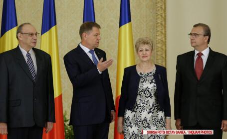 Ceremonia de depunere a jurământului de învestitură în funcţia de judecător al Curţii Constituţionale a Romaniei de către Livia Stanciu, Attila Varga şi Marian Enache, la Palatul Cotroceni