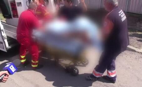 Un barbat a fost atacat si muscat de gat de un urs, langa Brasov. Ce l-a salvat din coltii animalului