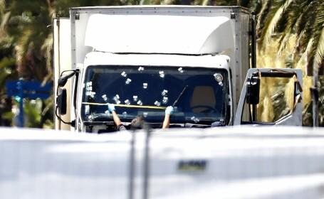 Erorile comise de autoritatile din Franta. Expertii numesc atentatul din Nisa \