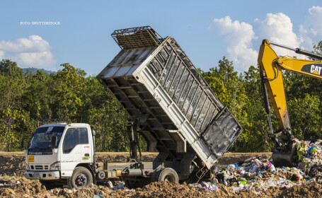 Sute de tone de GUNOI, importate ilegal in Romania. Ce s-a intamplat cand inspectorii au deschis camioanele cu deseuri