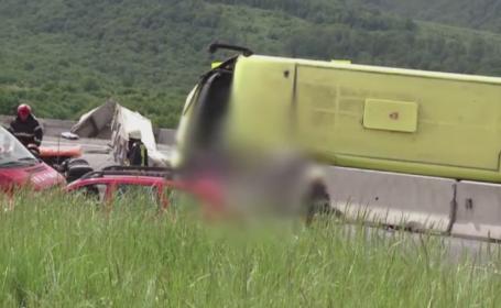 Amenzile date in cazul microbuzului rasturnat in Brasov, unde 4 persoane au murit. Neregulile gasite la firma responsabila