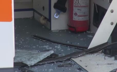 O asistenta si un sofer de ambulanta au fost batuti in Galati de un pacient care i-a chemat pentru o durere de cap