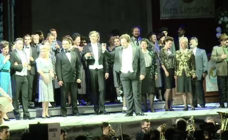 Artistii Operei Romane au sustinut un spectacol in aer liber in Cluj, unde s-au strans 5000 de oameni