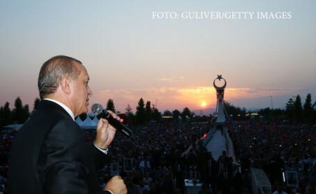 Erdogan a comemorat un an de la puciul esuat. Presedintele Turciei a cerut iar reintroducerea pedepsei cu moartea