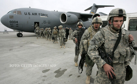 soldati americani in baza de la MAnas