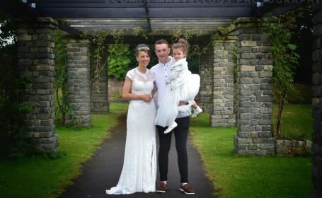O adolescenta britanica, tachinata de colegii sai, a avut parte de o surpriza dupa ce a refuzat sa mearga la bal