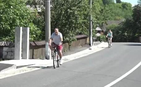 Are cele mai multe trasee pentru biciclete, insa riscul sa te ratacesti e mare. Nu sunt indicatoare, iar GPS-ul nu merge