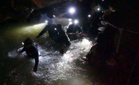 Copiii blocați într-o grotă din Thailanda, găsiți după nouă zile de captivitate. Starea acestora