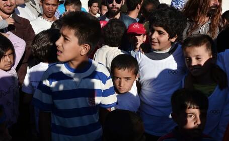 Sute de copii migranţi, neînsoțiți de părinți, \