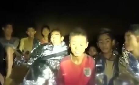 """""""Sunt sănătos"""". Nouă înregistrare video cu copiii blocați într-o peșteră din Thailanda"""