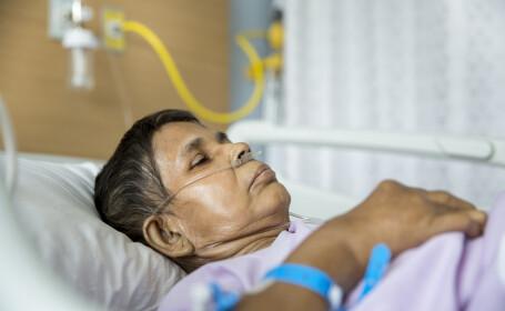 O femeie dependentă de aparate a murit, după ce compania de electricitate i-a tăiat curentul