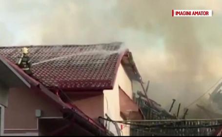 Incendiu violent la o hală din Târgu Neamţ. S-a intervenit cu 7 autospeciale
