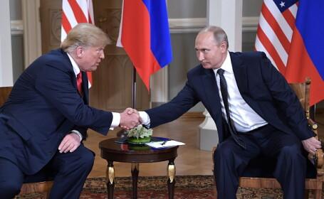 Gestul făcut de Donald Trump atunci când a strâns mâna cu Vladimir Putin. FOTO