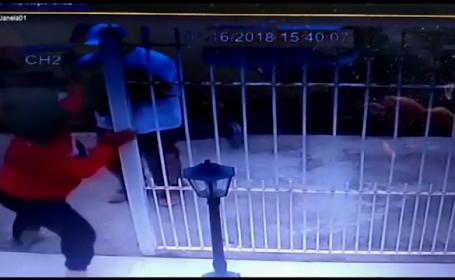 Mama unui fotbalist, răpită din faţa casei. Poliţia a arestat 3 suspecţi