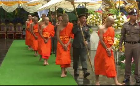 Copiii salvați din peștera din Thailanda au devenit budiști