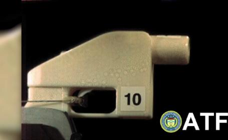 Un american creează arme cu ajutorul unei imprimante 3D. Avertismentul experților în securitate